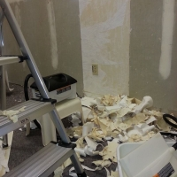 remodel-wallpaper-stripping-is-messy