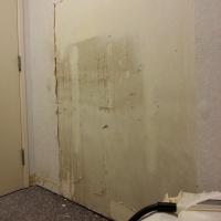 remodel-wallpaper-stripping